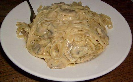 Linguine mit Zwiebelsuppe-Sahne-Sauce