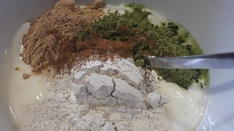 Soja-Naturjoghurt mit Powerfoods