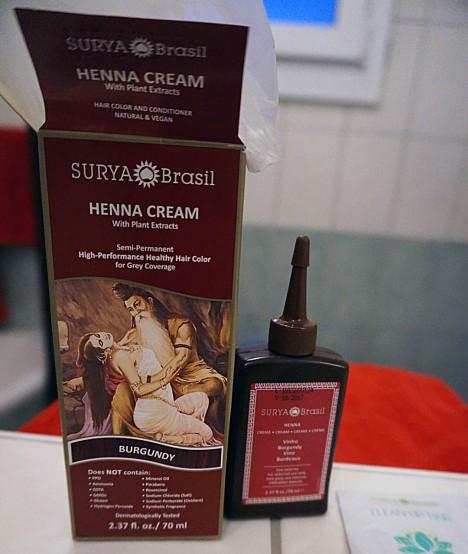 Vegane Haarfarbe und -pflege von Surya Brasil