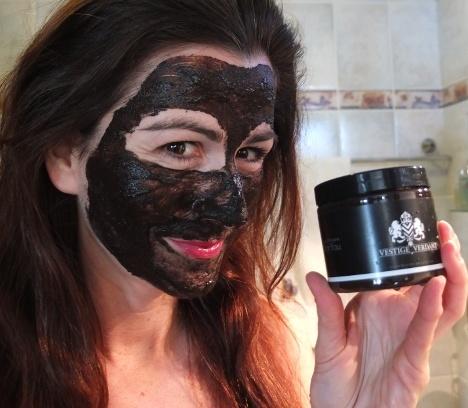 Vestige Verdant Organic Mask Selfie